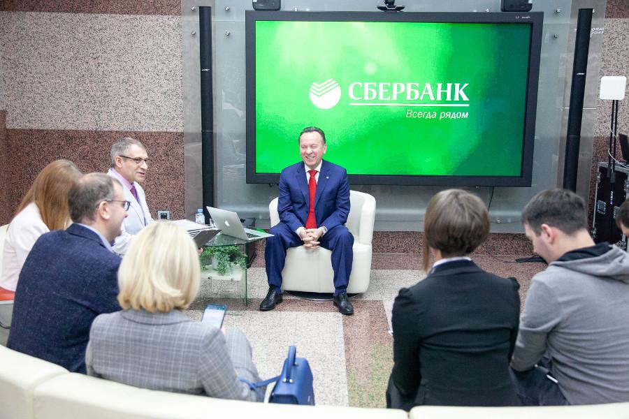 Председатель Центрально-Черноземного банка ПАО Сбербанк Владимир Салмин встретился с редакторами СМИ.